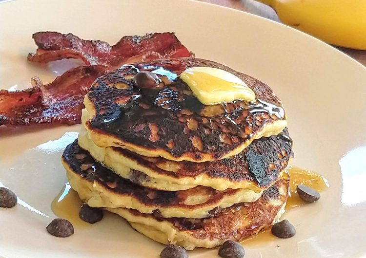 Paleo Banana Chocolate Chip Pancakes