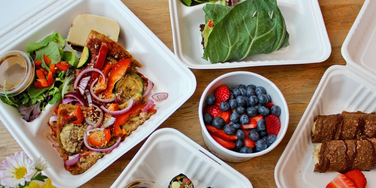 How to Eat Healthy while Supporting Local Restaurants
